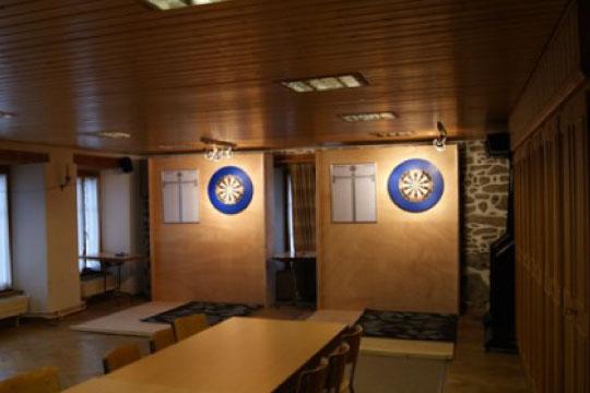 A l'étage, cibles traditionnelles et électroniques.